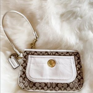 "Coach Wristlet ""like new"""